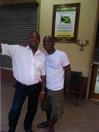 Gary's Jamaican Taxi & Tours: Ya mon!