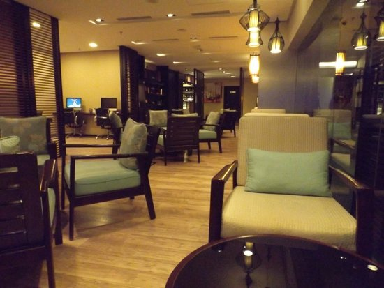 Shangri-La's Rasa Ria Resort & Spa : Internet Cafe