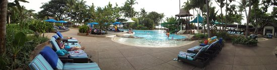 Shangri-La's Rasa Ria Resort & Spa : Pool panorama