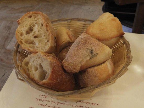 Le Boeuf a la mode: パン