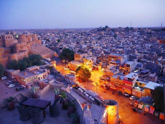 Hotel Garh Jaisal Haveli : Morning city view