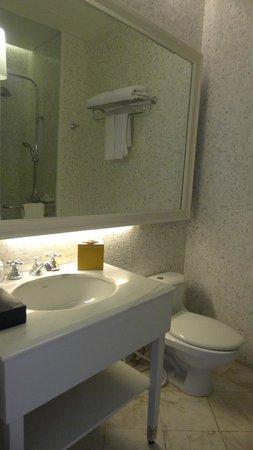Nongsa Point Marina & Resort: bathroom 3