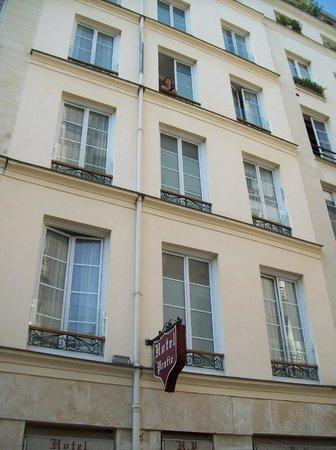 Pratic Hotel : Location location location!
