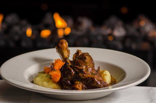 Wild Thyme Bar & Restaurant: Hearty Lamb Shanks