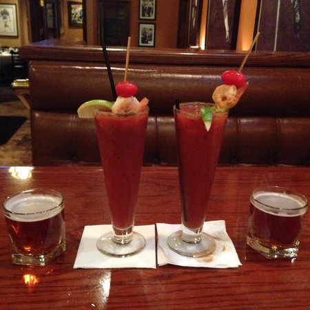 Ditka's Restaurant: Bloody mike