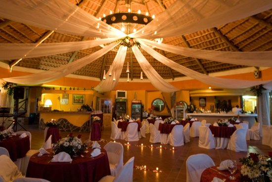 Bay View Hotel: Decoracion del restaurante para boda y eventos.