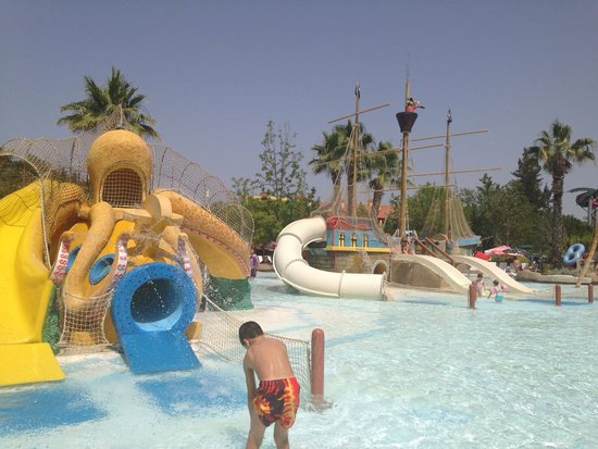 Aqua Fantasy Aquapark Hotel & SPA: Kids splash area in water park