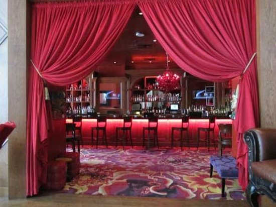 The Saint Hotel, Autograph Collection: great bar!