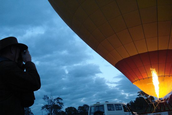 Hot Air Balloon Gold Coast: Balloon firing up