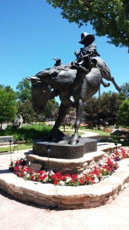 Chris LeDoux Memorial Park: Chris LeDoux statue