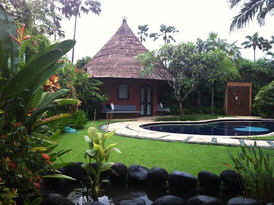 The Villas Bali Hotel & Spa: Beautiful even through the rain