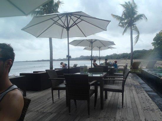 Bali Garden Beach Resort: Board walk