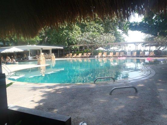 Bali Garden Beach Resort: main pool