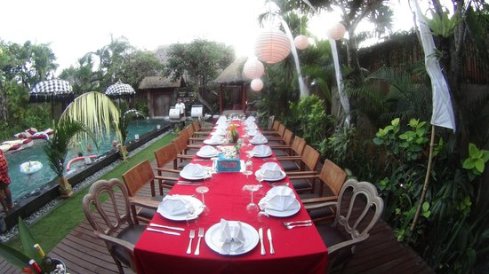 Space at Bali : The fabulous dinner set up