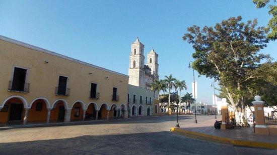 Hotel San Clemente: Площадь, на которой расположен отель