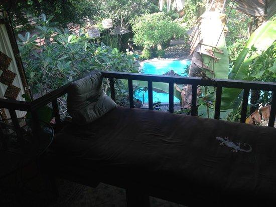 Dusun Jogja Village Inn: balcony daybed view