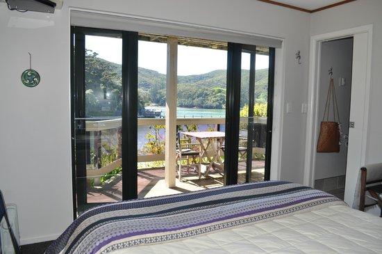Kawau Lodge: Looking out of Tidal room
