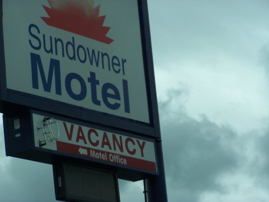 Sundowner Motel