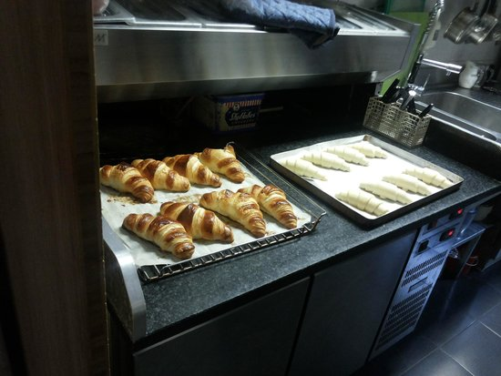 Hotel Restaurant Larende: I love the freshly baked croissants!!