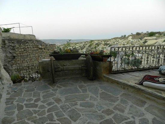 Anitya Cave House: Outside Area