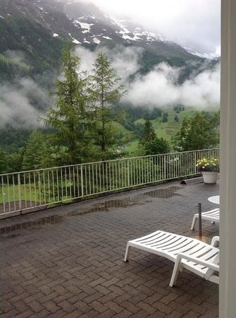 Grand Hotel Regina Grindelwald: balcony view from. junior suite room