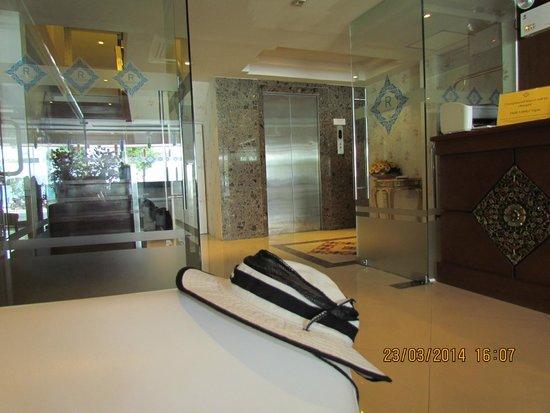 Rayaburi Beach Club Hotel: рецепш