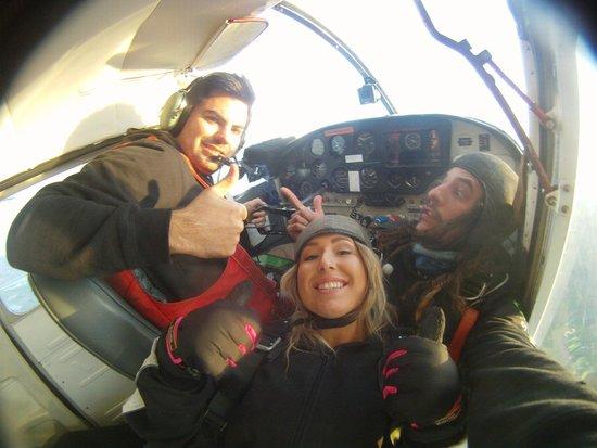 Skydiving Kiwis : Freefallin
