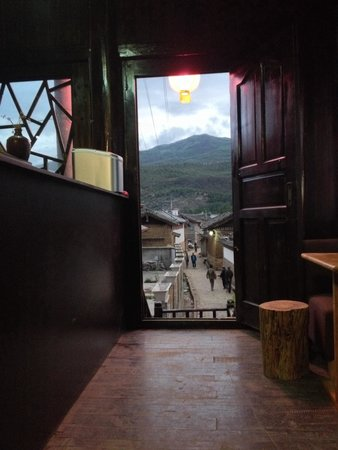 Baisha Holiday Resort Lijiang: View from second floor of hotel restaurant