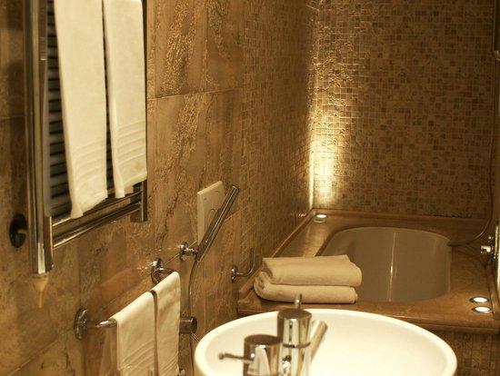 Relais Venezia: Bathroom (2)