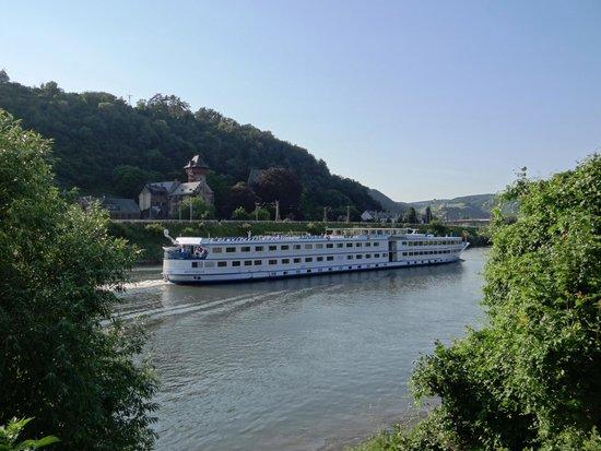 Pension Sander: Ausblick mit Schiff