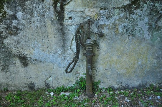 La Heraudiere : Старая колонка