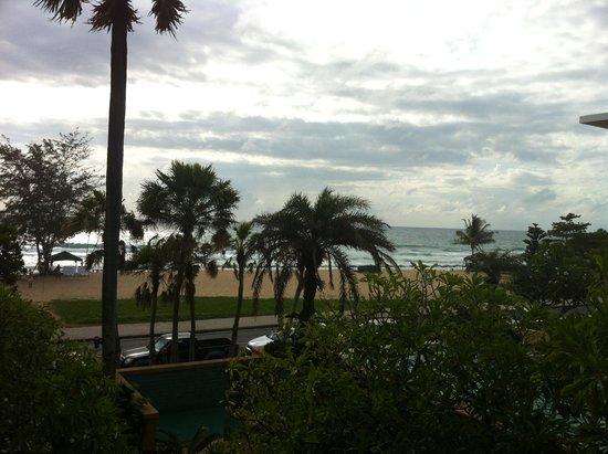 Movenpick Resort & Spa Karon Beach Phuket: View from Residence Balcony