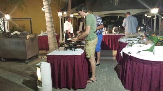 Avila Beach Hotel: BBQ night