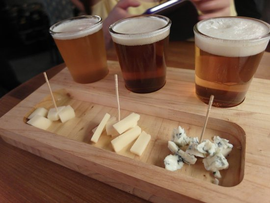 Beer and Cheese Social House : Beer and Cheese set.