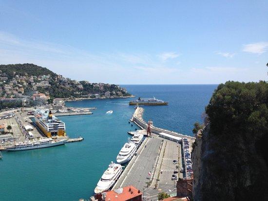 Colina del Castillo: Вид на порт