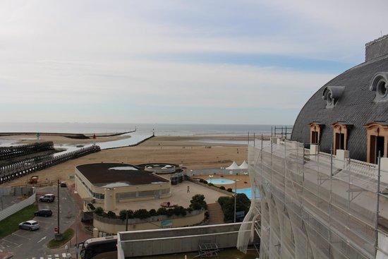 Soleil Vacances Beach Hôtel : Trouville Beach Hotel : chambre 709 avec vue sur la mer