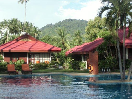 Viva Vacation Resort : Blick vom Pool auf die Anlage