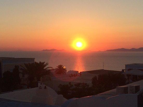 Strogili Restaurant: Sunset!!!!