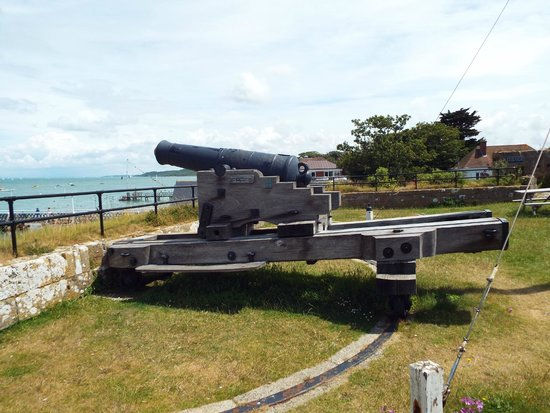 Yarmouth Castle: Cannon