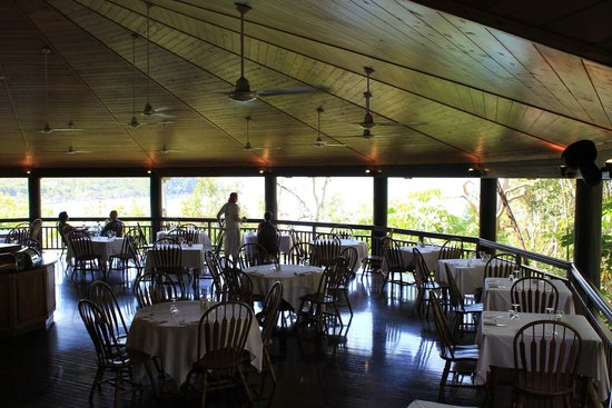 Ospreys Port Douglas Restaurant: The Open Decked Dining Area