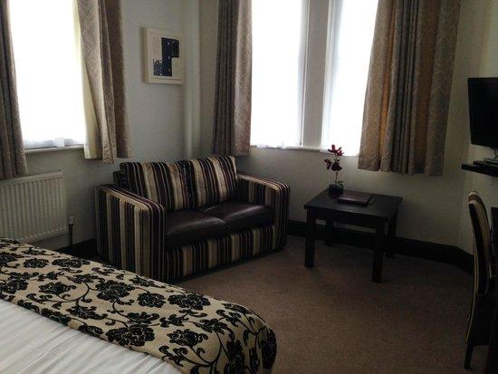 The Duke of Edinburgh Hotel: Superior Double