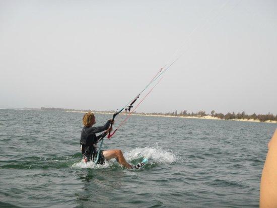 Walking On Water Kite Club : Kitesurfing