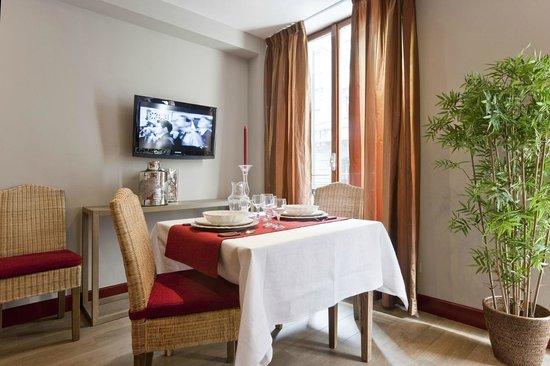 Residence Petronio: Salotto Trilocale