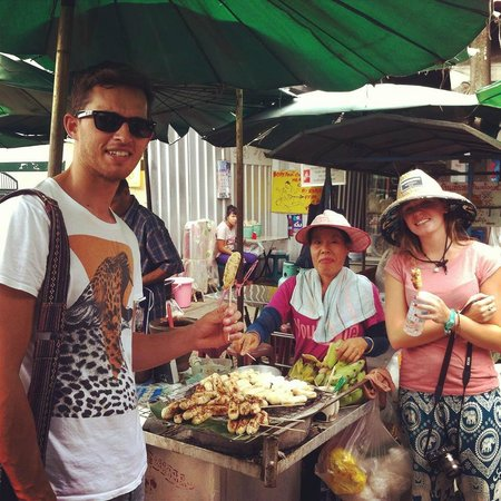 Mandy Guide Smile: Trying some traditional Thai Street food