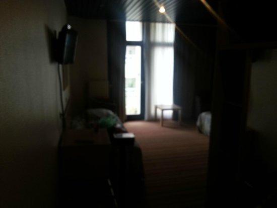 Royal Astor Hotel : room