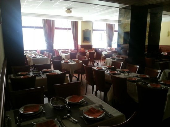 Royal Astor Hotel : breakfast dining