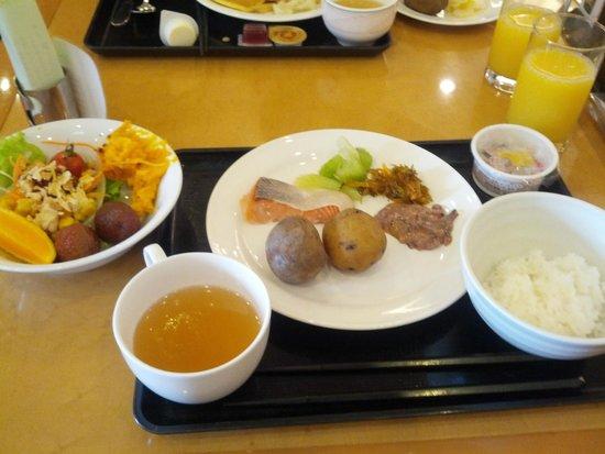ANA Hotel Sapporo: インカのめざめときたあかり
