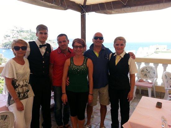Hotel Giardino delle Ninfe e La Fenice: con i ragazzi del ristorante