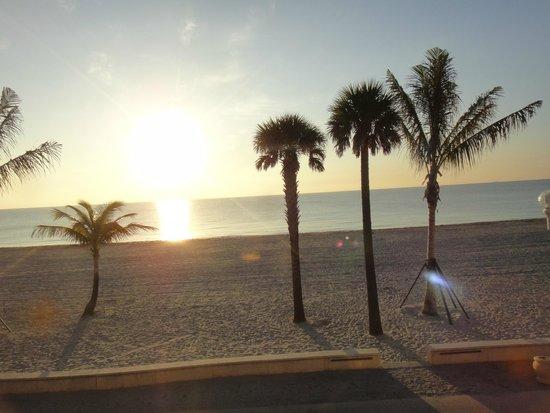 Riptide Hotel: Sunrise view