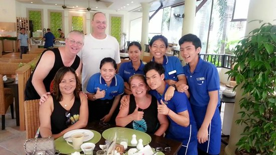 Deevana Patong Resort & Spa: The wonderful breakfast staff at Deevana